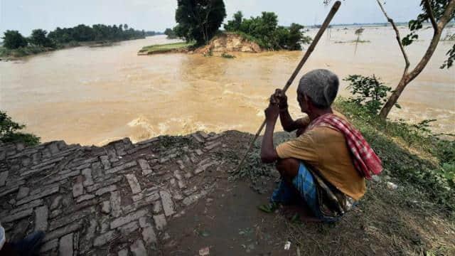 बिहार पर मंडरा रहा बाढ़ का खतरा, गंडक के बाद खतरे के निशान पर पहुंची कमला, जानें किस नदी का क्या है हाल