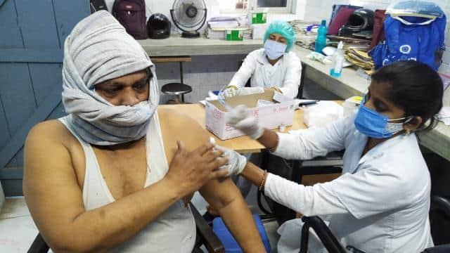 कोरोना टीका लगवाने वाले ही लड़ सकते हैं बिहार पंचायत चुनाव! पंचायती राज विभाग ने आयोग से किया आग्रह
