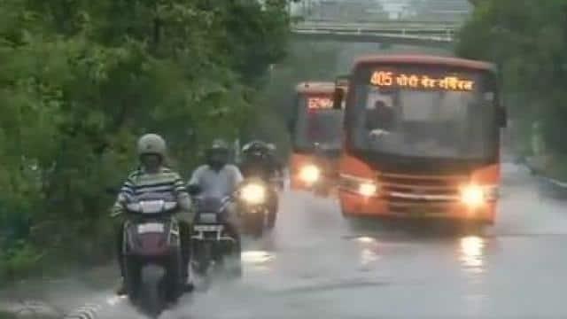 दिल्ली समेत पूरे एनसीआर में आज बारिश के आसार, अगले 5 दिनों तक होगी बरसात