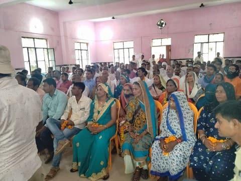 श्रावस्ती। टीम ब्लाक प्रमुख के नेतृत्व में गुरुवार को ब्लाक सभागारों में सम्मान समारोह...