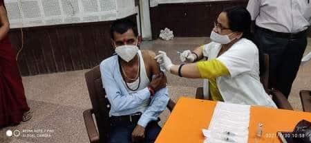 टीकाकरण : 24 प्रतिशत लोगों को लगाया गया टीका का पहला डोज
