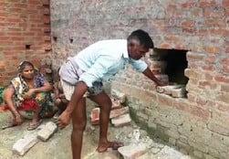 मकान की दीवार में नकब लगाकर हजारों की चोरी