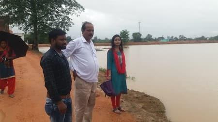 जिले में भारी बारिश ने जमकर तबाही मचायी। बारिश के कारण सदर प्रखंड के कोल्हेरूआ गांव में बांध टुट गया। इस कारण लगभग 20 एकड़ से अधिक भूमि पर लगाई गई...
