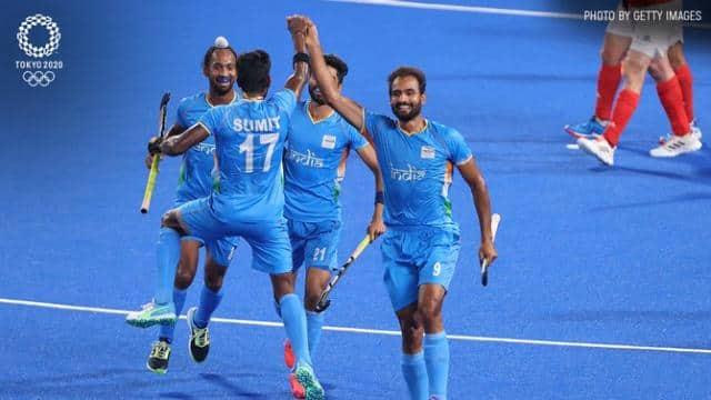 भारतीय मेंस हॉकी टीम की जीत पर कैप्टन अमरिंदर सिंह के ट्वीट से मचा बवाल, फैन्स ने याद दिलाया 'चक दे इंडिया' का डायलॉग- बस एक मुल्क का नाम सुनाई देता है इंडिया...