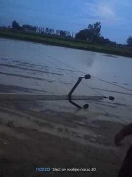 बरसात में गिरे पोल कई गांवों की बिजली सप्लाई बंद