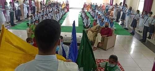 द सैपियंस स्कूल हरबर्टपुर में पदारोहण समारोह का आयोजन किया गया। इसमें हेड ब्वॉय और हेड गर्ल के साथ विभिन्न सदनों और क्लब पदाधिकारियों को पदभार सौंपे...