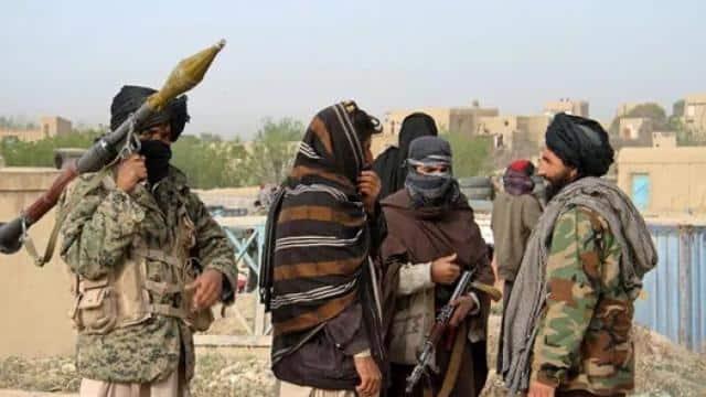 तालिबान के कहर के बीच अफगानिस्तान में कॉन्सुलेट के अधिकारियों को वापस लाएगी सरकार, IAF के पास जिम्मा