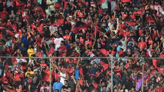 BCCI के इस नियम से स्टेडियम में IPL 2021 के मैच देखने वाले दर्शकों को होगा फायदा