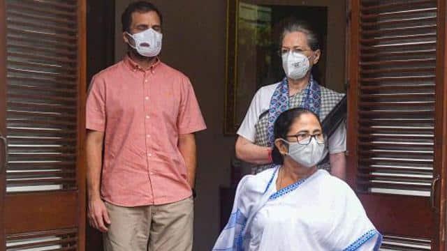 विपक्षी एकता की निकली हवा? TMC ने ममता बनर्जी को बताया पीएम मोदी का विकल्प, राहुल गांधी हुए फेल