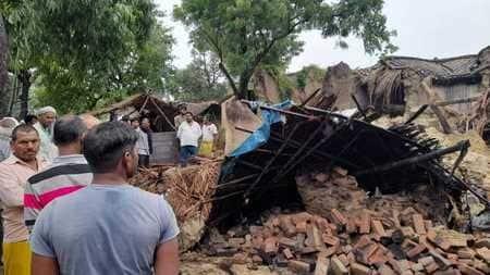 पूर्वांचल में बारिश से गिरे दर्जनों कच्चे मकान, दंपती सहित छह की मौत, एक दर्जन से अधिक घायल