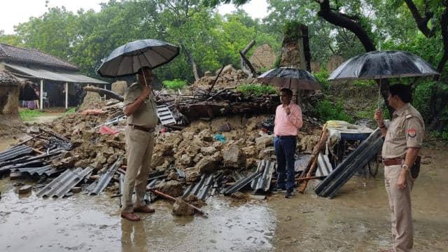 जौनपुर में बारिश का कहर, मकान गिरने से एक ही परिवार के तीन लोगों समेत चार की मौत