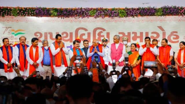 गुजरात में BJP का पटेल और ओबीसी कार्ड, 24 में से आधे मंत्री इन्हीं समुदायों के