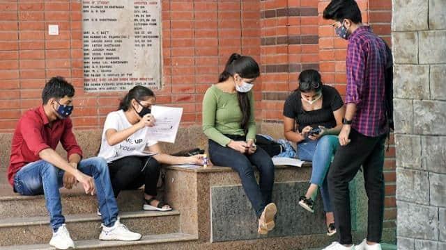 कॉलेजों में बैक डोर एंट्री बंद हों, एडमिशन पाने को लाखों छात्र करते हैं कड़ी मेहनत : दिल्ली हाईकोर्ट