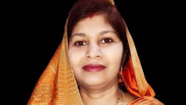 UP cabinet expansion : know who is Sangeeta Bind who will join Yogi cabinet  - यूपी मंत्रिमंडल विस्तार : जानें कौन हैं संगीता बिंद, जिन्हें योगी कैबिनेट  में मिलेगी जगह