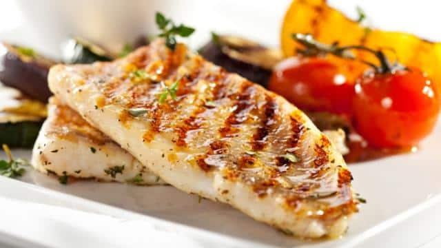 हर उम्र के लोगों को मछली खाने से मिलते हैं ये पोषक तत्व
