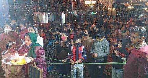 अल्मोड़ा में रामलीला का  देर रात तक आनंद ले रहे हैं दर्शक