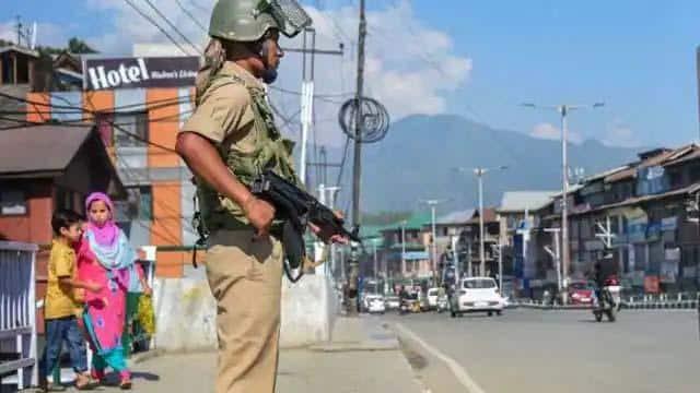 अफगानिस्तान में तालिबान राज के कारण कश्मीर में गैर-मुस्लिमों पर हो रहे  आतंकी हमले? जानें कैसे