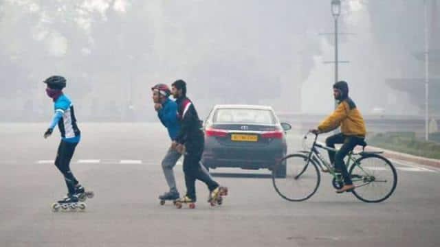 Delhi Weather Updates: अब सुबह के तापमान में आएगी गिरावट, दिन में साफ रहेगा आसमान, पढ़ें मौसम विभाग का अपडेट